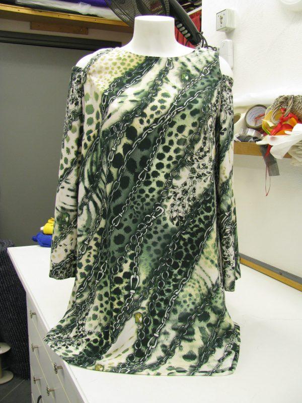 jurk met ketting print maat 38/40