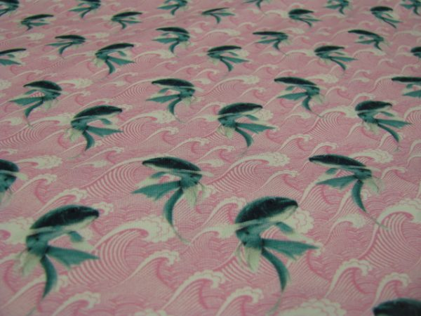 tricot roze met vis