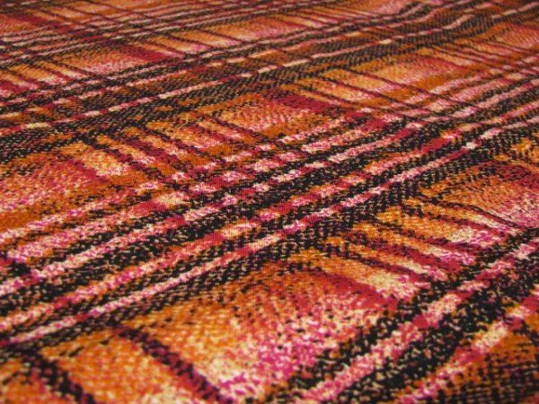 tricot oranje met zwarte strepen