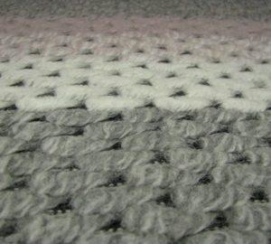 Gebreid streep grijs wit roze Gossypium