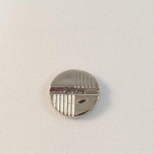 Knoop kunststof zilverkleurig glad en streepjes klein